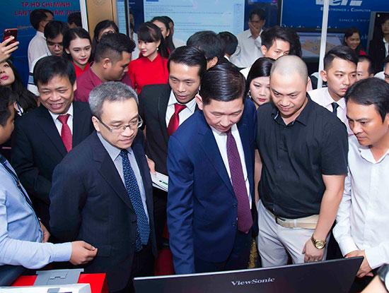 Khai mạc Triển lãm Công nghệ thông tin - Điện tử - Viễn thông TPHCM lần thứ 1